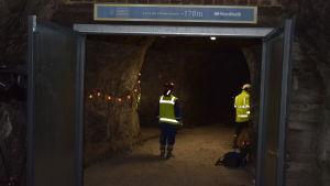 Champagneutrymmet i Tytyri gruva är utmärkt med en skylt vid ingången.