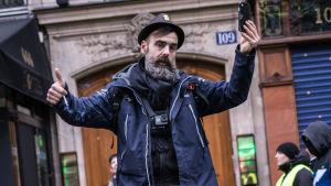 Jerome Rodrigues skadades i ögat då han filmade gula västarnas protest i Paris