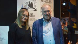 Kirsi Kolari och Mats Fromme på Pelle Svanslös utställning.