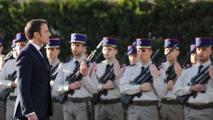 President Emmanuel Macron vill modernisera Frankrikes kärnvapenprogram under de kommande åren. han beslöt också nyligen att skicka ytterligare 600 soldater till Västafrika för att kämpa mot jihadister