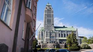 Kuvassa on Kallion kirkko toukokuussa 2020.