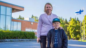 Jenny Stenvall med sonen Jakob