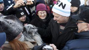 Sauli Niinistö möter väljare på Hagnäs torg den 7 januari.