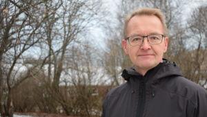 Antti Heikkilä beskyllde Reijo Laatikainen för kopplingar till storskaligt jordbruk.