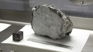 Sten från månen.