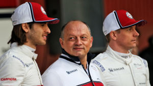 Antonio Giovinazzi, Fred Vasseur och Kimi Räikkönen.