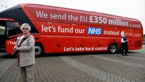 Vote Leave-kampanjens buss med löftet om att hälsovården skulle få 350 miljoner mer i anslag efter brexit.