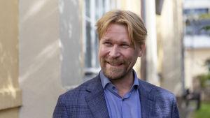 Näyttelijä Matti Ristinen Olen suomalainen -elokuvan lehdistötilaisuudessa Kulttuurikeskus Korjaamolla.