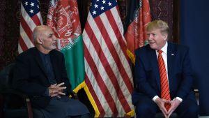 Afghanistans president Ashraf Ghani och president Trump höll en kort pressträff efter sitt möte på flygbasen Bagram.