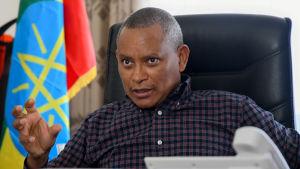 Tigrays regeringschef Debretsion Gebremichael hotar Eritrea med ännu fler attacker om det samarbetar med Etiopien.