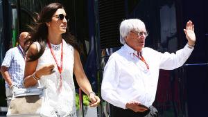 Fabiana Flosi och Bernie Ecclestone njöt av stämningen i samband med Spaniens Grand Prix i maj.