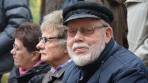 Torvald Karlsson vid invigningen av Koverhar minnesmärke.