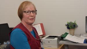 Clara Johansson är sjukskötare på Raseborgs mentalvårdscenter.
