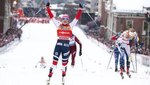 Maiken Caspersen Falla vann sprinten i Drammen.