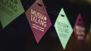 Musik & Talang-banderoll.