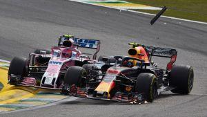 Esteban Ocon krockar med Max Verstappen.