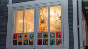 NIna Wiklunds fönster som hon själv har rutat om