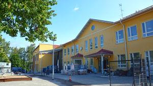 Skolbyggnad.