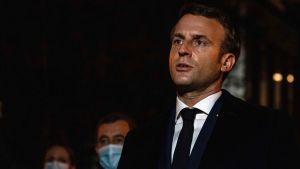 President Emmanuel Macron i Conflans Saint-Honorine efter en dödlig attack mot en lärare 16.10.2020.