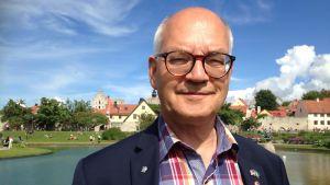 Vi kan inte säga nej bara för att ett företag är ryskt, säger regionråd Björn Jansson.