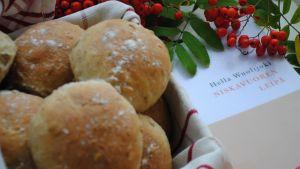 Kirjablogissa Niskavuoren leipä