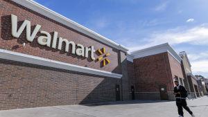 Världens största detaljhandelskedja Walmart begränsar vapenförsäljning ytterligare