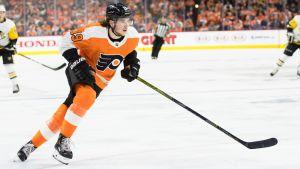 Nolan Patrick spelar ishockey för Flyers.