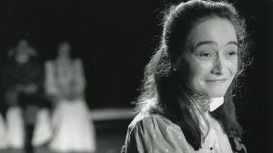 NIna Hukkinen som Irina i Tre Systrar 1995.