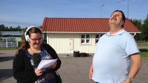 Radio Vega Östnylands Hanna Othman intervjuar synskadade Kenneth Ekholm