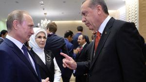 Turkiets president deltog i invigningen av moské i Moskva