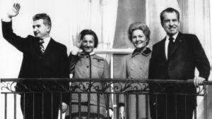 Paret Nixon och Ceausescu mottar folkets hälsning