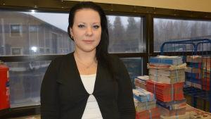 Katja Myyryläinen är enhetschef på Pasi-Jakelut som hör till koncernen Suomen Suoramainonta.
