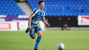 Timo Stavitski tog steget via RoPS till Caen i den franska ligan.