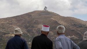 Druser på Golanhöjderna i Israel följer med strider på den syriska sidan av Golan