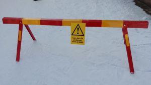 Varning för fallande snö.
