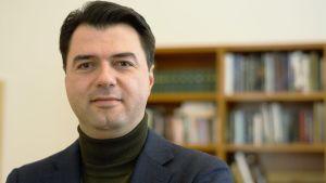 Lulzim Basha, ledare för oppositionspartiet Demokratiska partiet som kräver premiärministern Edi Ramas avgång