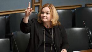 Krista Kiuru i riksdagen.