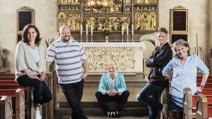Mark Levengood hjälper fyra präster att dejta.