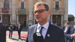 Juha Sipilä intervjuas i Rom.