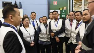 En indonesisk delegation på besök på företaget VEO i Vasa.