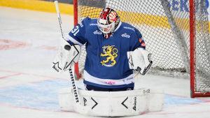 Ishockeymålvakten Juha Metsola.