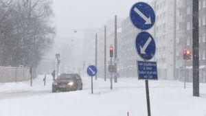Snö i Gräsviken i Helsingfors.