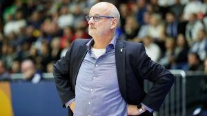 Baskettränaren Henrik Dettmann