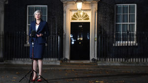 Theresa May utanför 10 Downing Street