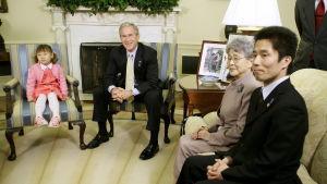 Presidente George W Bush och de anhöriga i Vita Huset år 2006
