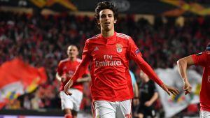 Joao Felix jublar efter ett mål.
