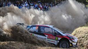 Jari-Matti Latvala i farten i Portugal.