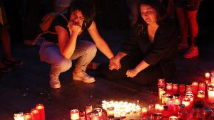 Rumänier sörjer mördad tonårsflicka