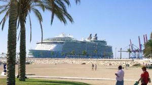Oasis of the seas i Malaga.