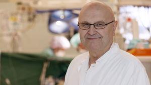 Kalervo Werkkala, blir överläkare i hjärtkirurgi i Vasa.